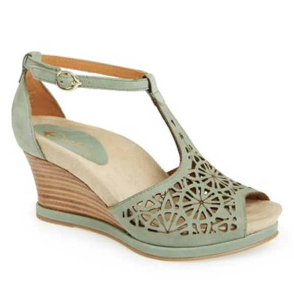 3c6ac924ddd8 Earthies Shoes - Earthies Casella Wedge Sandals